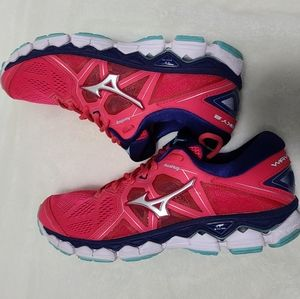 Mizuno Wave sky 2 womens running shoes sz …